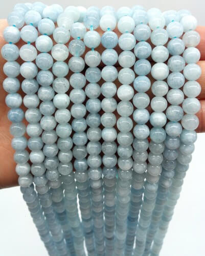 Perles Aigue Marine 6mm sur fil 40cm